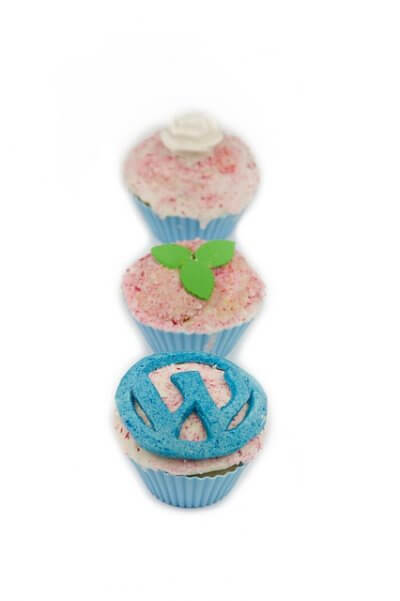 cupcakes with the WordPress logo